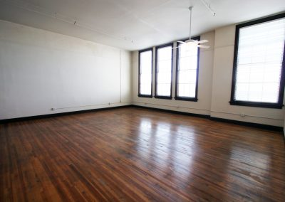 301 Central Ave NE, Loft 304