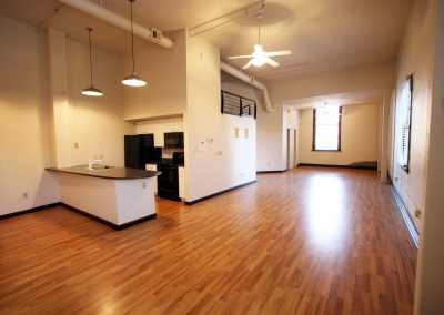301 Central Ave NE, Loft 213