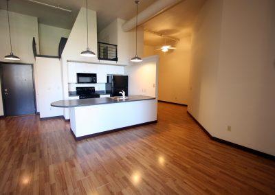 301 Central Ave NE, Loft 211